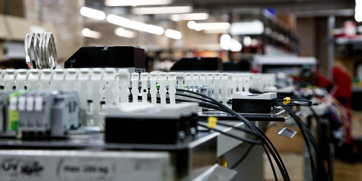Elektropoint elektroniikan sopimusvalmistus materiaalinhallinta varastonhallinta