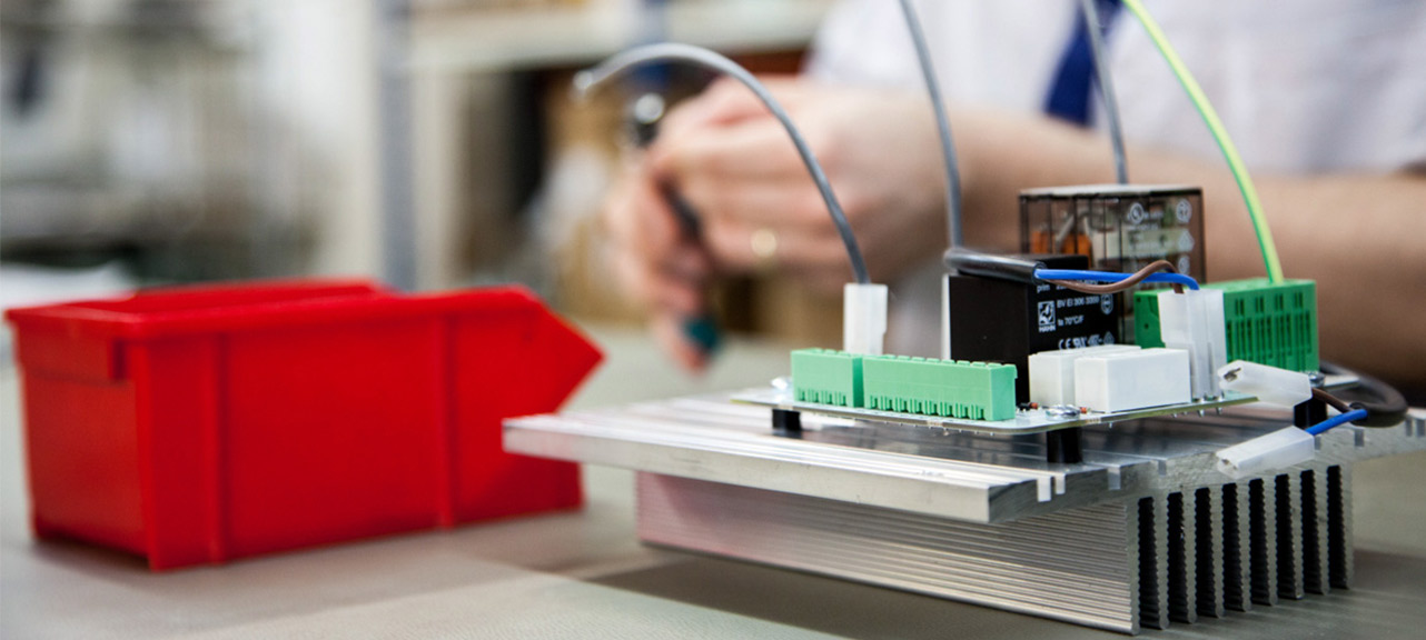 Elektropoint elektroniikka sopimusvalmistus piirikorttien ladonta